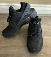 Mens Nike Air Huarache Athletic Basketball Volleyball shoes Black size 9.5
