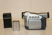 Canon Zr40 Mini Dv Camcorder With Battery and Charger