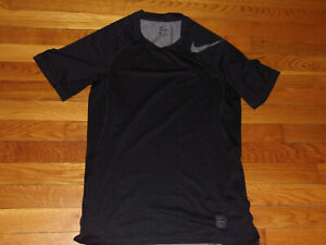NIKE PRO SHORT SLEEVE BLACK FITTED JERSEY MENS MEDIUM EXCELLENT CONDITION