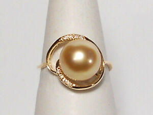 9.8 rich golden South Sea pearl ring, diamonds, solid 14k yellow gold.