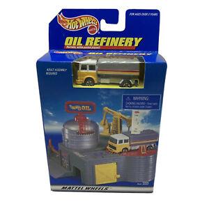 Mattel Wheels Hot Wheels Oil Refinery Playset Truck Vintage 1997