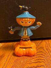 New Solar Powered Dancing Toy Bobble Head Scarecrow & Crows On Pumpkin BLUE