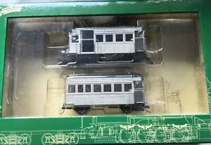On30 Bachmann Spectrum Rail Bus with trailer, silver unlettered