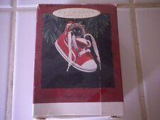 "Hallmark Keepsake Christmas Ornament ""High Top Purr"" Kitten in a Shoe 1993"
