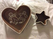 2004 Enesco Gingerbreadman Heart Shaped Christmas Baking Pie Dish - NWT
