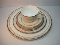 ROYAL DOULTON CHINA NALES 5-PIECE PLACE SETTINGS SET GREAT GIFT