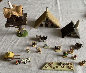 Asterix Konvolut: Das Gallische Dorf - Häuser &10 Mini-Figuren, Hachette (c)2013