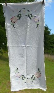 """vtg Laced Trim & hand embroidered Floral  TABLE RUNNER SIZE 16 """" x 40"""""""