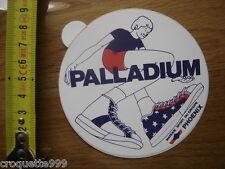 Autocollant Sticker PALLADIUM baskets de la marque de sport du groupe PHOENIX