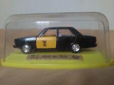 Antigua miniatura 1:43 Mira 4026 Seat 131 Taxi Barcelona. Made in Spain.