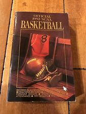 1992 NCAA BASKETBALL BOOK RECORDS SCHEDULES ++ Good Condition