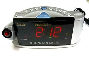 Emerson RESEARCH Smart Set RADIO ALARM CLOCK w/Time Projector Model CKS3516