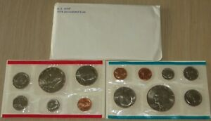1974 US Uncirculated Mint Set (U6-1) With 2 Eisenhower Dollars, 2 Kennedy half's