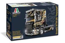 Modellini statici di auto, furgoni e camion neri Italeri scatola chiusa