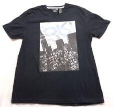 New DKNY Jeans Mens #D070 Black Short Sleeve V-Neck Graphic T-Shirt Size Medium