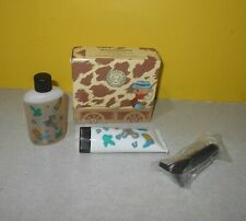 1995 Wild Country Junior Gift Set by Avon for Boys w/ Faux Razor for Pretend