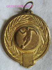 BG6295 - MEDAILLETTE 4° DIVISION  FOOTBALL 1976