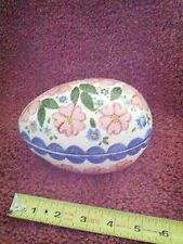 Easter Egg Ceramic By : M.L.Hudlow , Mint.