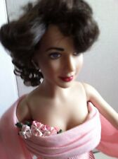 "FRANKLIN MINT Elizabeth Taylor 16"" Vinyl Doll in Pink GIANT Ensemble +Stand"
