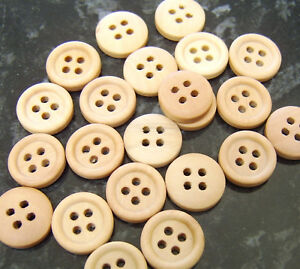 20 Plain wooden round buttons - Light wood colour 15mm