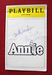 """MAY 1977 """"ANNIE"""" PLAYBILL PROGRAM SIGNED BY ANDREA McARDLE & DOROTHY LOUDON"""