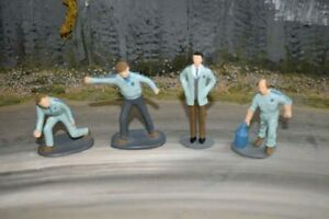 Painted Race Crew - Blue - 1/32 Scale - Scalextric Carrera Ninco Scenery