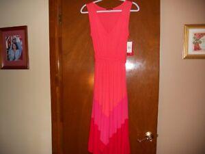 Ladies Sleeveless Long Dress with Jagged Hem Sz S