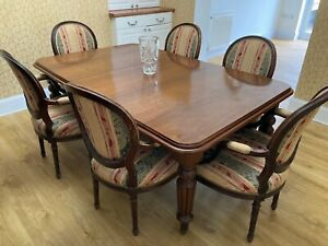 Antique Oval Mahogany Extending Dining Table and chairs