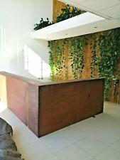 Bancone e tavolo da Reception in Legno e Corten Artigianale per hall, ingressi e