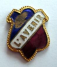 """Ancien insigne plaque émaillée """" L'AVENIR  """", 21 x 16 mm, manques à l'émail."""