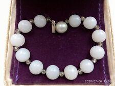 VINTAGE c1950's OPAQUE MILK WHITE CABOCHON GLASS&BEZEL set STONES LINK BRACELET