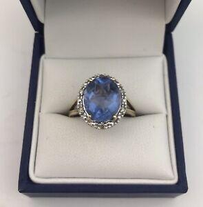 Pretty 9ct Gold, Blue Topaz & Diamond Ring. Size N