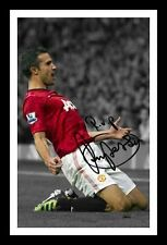 ROBIN VAN PERSIE MANCHESTER UNITED AUTOGRAPHED SIGNED & FRAMED PP POSTER PHOTO
