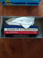 vintage Athearn 5200 40' Reefer Wood HO scale Borden's Fine Cheeses