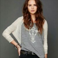 WE THE FREE Women's Raglan T Shirt Top size M Embroidered Longhorn Skull Gray
