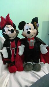 """Disney 24"""" Mickey and Minnie Mouse Dracula Vampire Halloween Greeter w/Tags"""