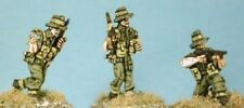 SHQ BD32 1/76 Diecast WWII Australian 3 NCO`s (2 w/Thompson SMG, 1 with Rifle)
