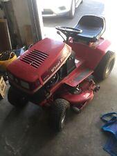 wheel horse 211-5 Lawn Tractor.