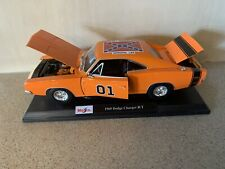 """CUSTOM THE DUKES OF HAZZARD """"GENERAL LEE""""  1969 DODGE CHARGER RT  1:18 RARE!!!"""