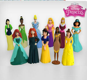 DISNEY PRINCESS  CAKE TOPPERS 10 PLASTIC FIGURES AND MAT