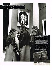 PUBLICITE ADVERTISING 054  1983  OLYMPUS  appareil photo  XA 2 200 grs