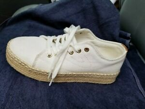 Tretorn Eve Casual Comfort Lace Up Sneaker, Women's Size 7 White  pre owned NICE