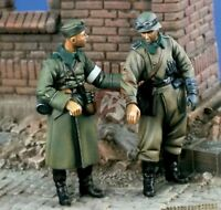 1/35 scale WW2 German Soldier Wounded With Comrade WWII Resin Model Kit