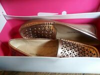Isaac Mizrahi Womens Andrea Leather Moccasin Shoes, Rose Gold NEW US 6.5 M