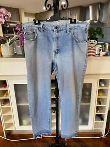 Vintage 555 Levi Jeans - Light Blue - size L/XL 97R - WOULD FIT SIZE 14/16