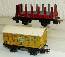 2x alte Märklin Güterwagen: 372 Rungenwagen mit Bremserhaus, 382 Fyffes Jamaica