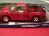 Maisto  Ford  SVT F150 Lightning 1/21 scale NIB red exterior 2019 release