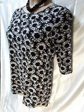 Black white stretch ladies tunic top dress size 18. 3/4 sleeve