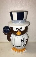 (1) New York Yankees Thematic Owl MLB Garden Statue by Forever Collectibles