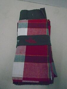 Home wear Holiday Collection Christmas Napkins Place mats 4 Each Red Green New